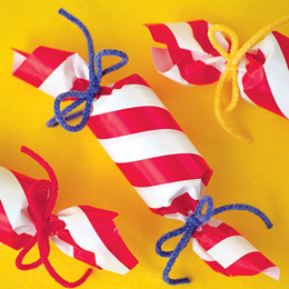 Holiday-crackers-christmas-craft-photo-260-FF1101GIFTA09
