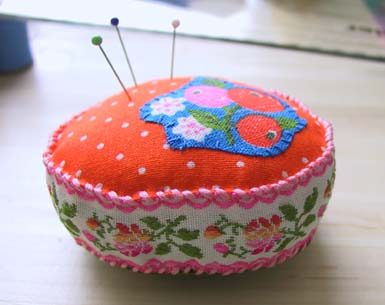 Ribbonpincushion2